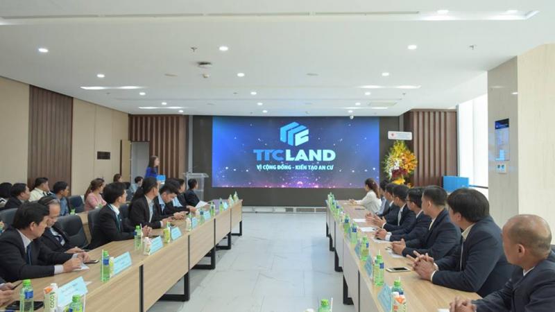 Công ty cổ phần địa ốc TTC LAND