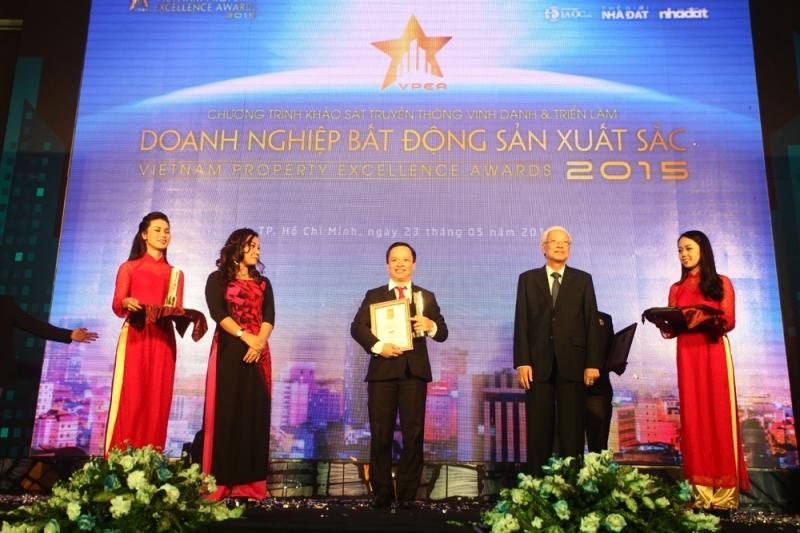 Hưng Thịnh Land được vinh danh tại buổi lễ trao giải Doanh nghiệp Bất động sản xuất sắc năm 2016